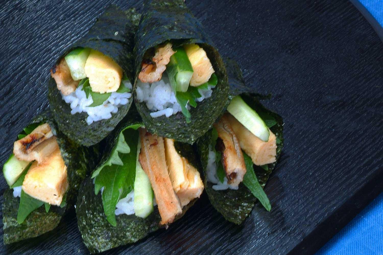 ふわふわ卵とアナゴの手巻き寿司