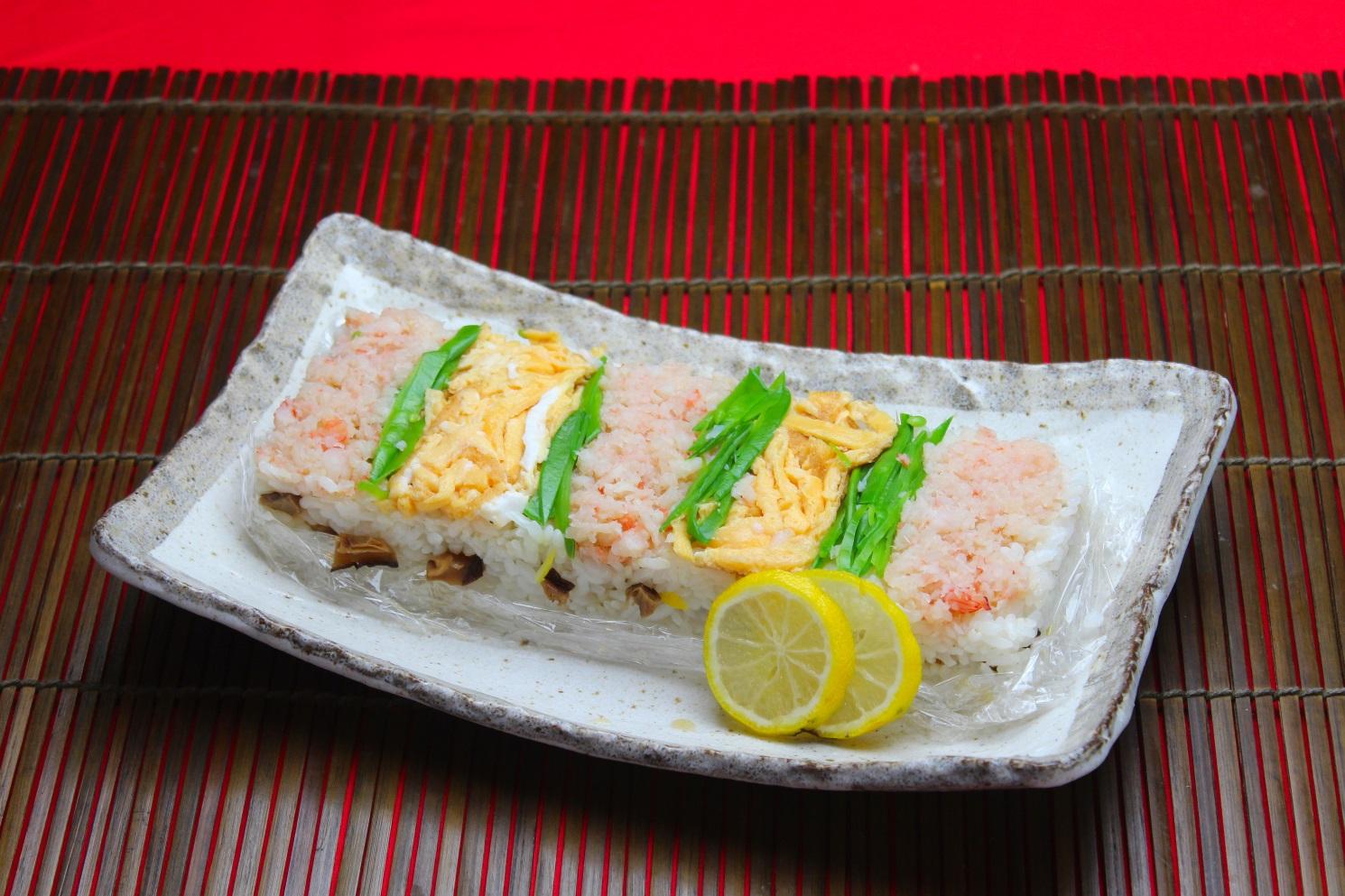 お正月の海老そぼろ寿司