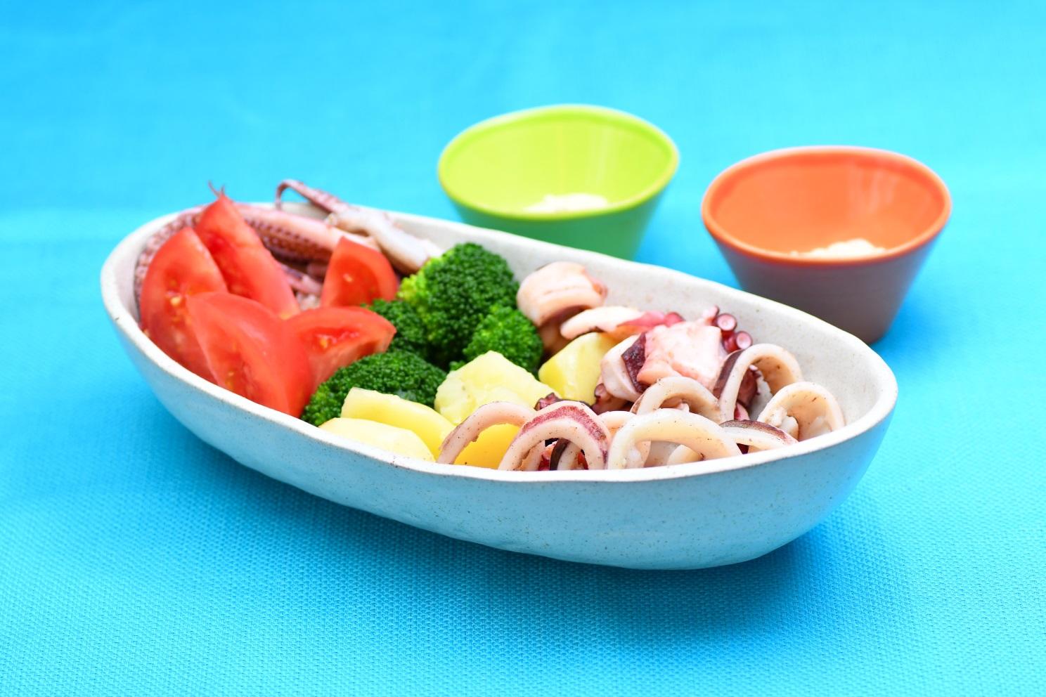 魚介と初夏野菜の蒸し煮こめ油アイヨリソース