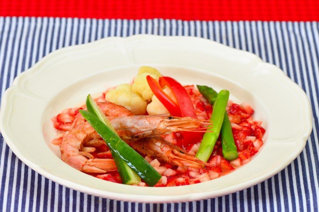 蒸海老と蒸し野菜のイチゴソース
