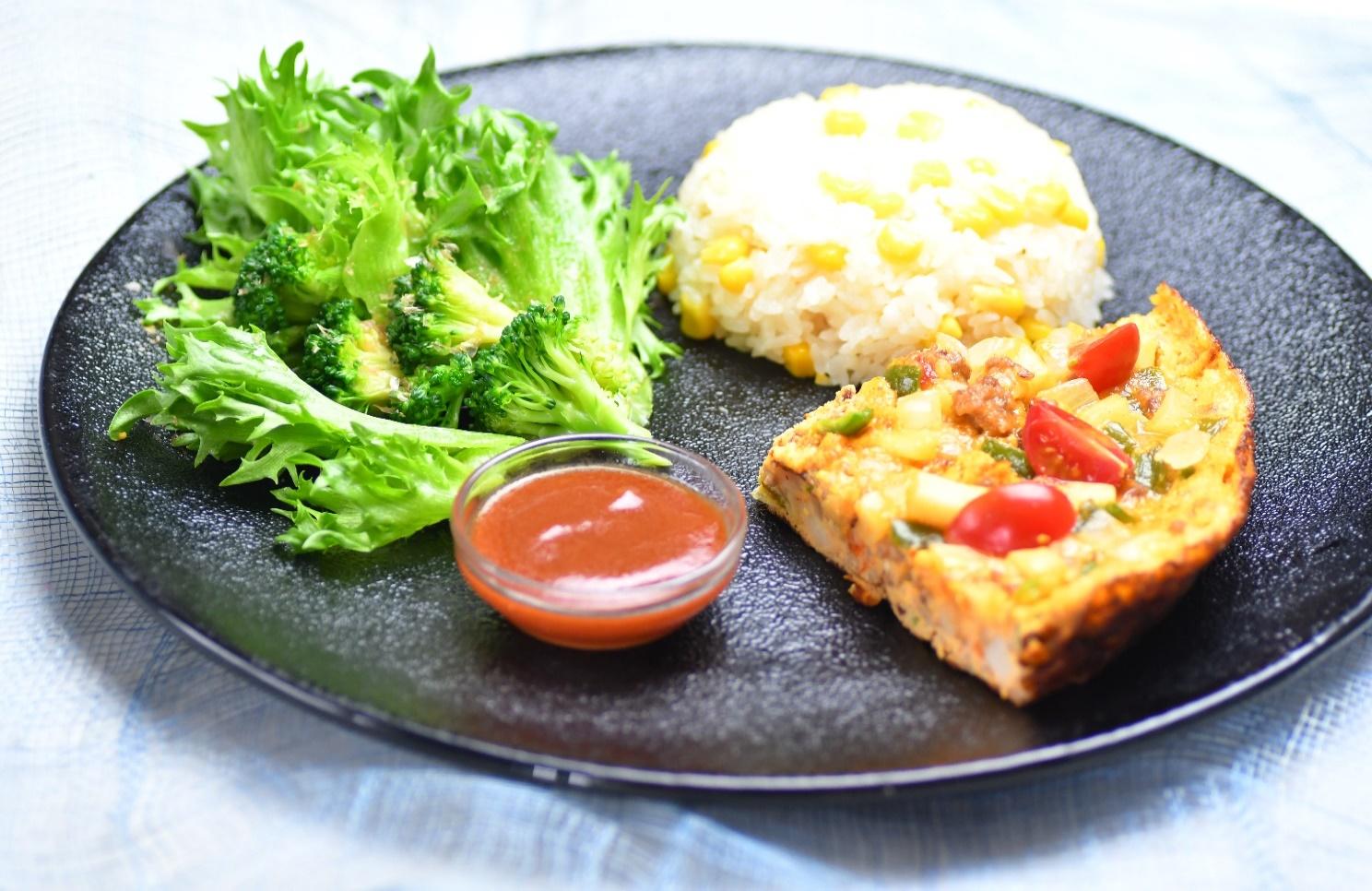 夏野菜のスペイン風オムレツカフェ風